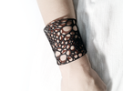 Voronoi bracelet #1 (MEDIUM) in White Strong & Flexible