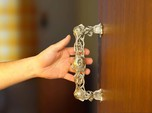 dragondoorhandle no1 mirrored