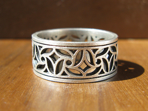 Gothic Pinwheel Tracery Ring (Open) in Raw Silver