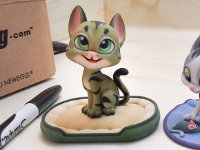 Happy Cat (3.3in with Base) in Full Color Sandstone