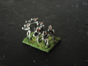 MG144-Aotrs07 War Droid Squad in White Strong & Flexible
