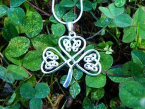 Shamrock Knot Pendant in Polished Silver