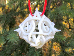 Thorn Die8 Ornament in White Strong & Flexible