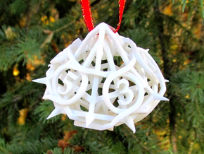 Thorn Die10 Ornament in White Strong & Flexible