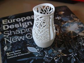 Small organic vase in White Strong & Flexible