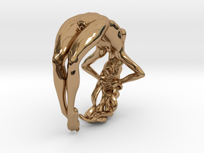 Nude Woman Ring in Polished Brass