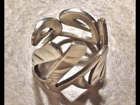 Kneel Ring in Polished Silver
