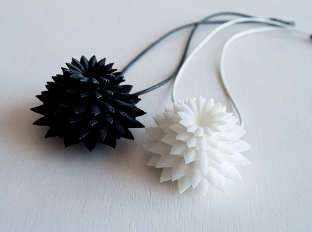 Big Bloom Pendant 3d printed