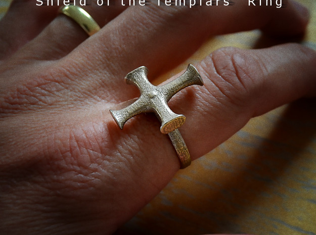 Shield of the Templars Ring 3d printed Material: Stainless Steel