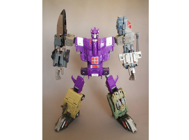 Combiner Wars and Energon male convert joint