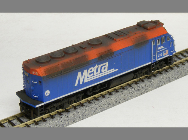 N Scale EMD F40PHM-2 (Metra) 3d printed Model built and painted by custom modeler Jeff King of MilwaukeeRoadTrainShop.com. Photo by Jeff King.