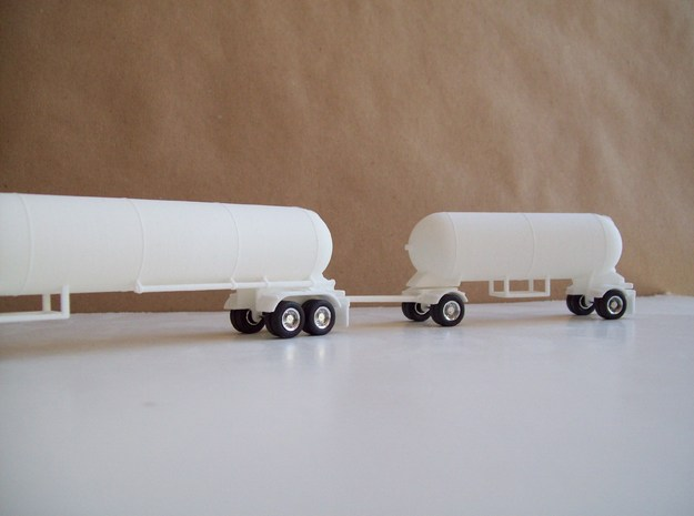 HO 1/87 LPG twin-axle tanker, trailer 15 3d printed Mike Ozosky's twin-axle LPG and pup tankers, ready for painting.