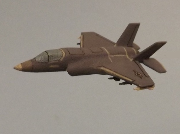 1/285 (6mm) F-35B w/Ordnance 3d printed Add a caption...