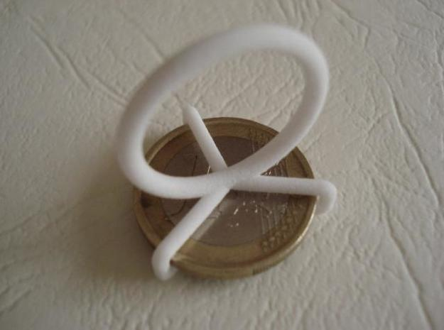 Euro-Ring - Size 9 - 1 euro 3d printed Picture of the back of the ring with a coin