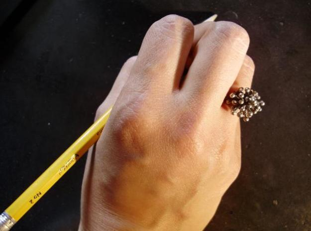 Single Starburst Ring 3d printed writing