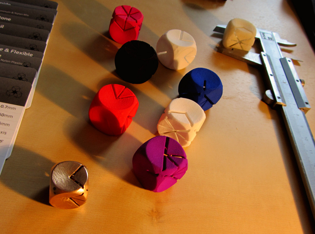 L'Indécis (20 mm - plastic) 3d printed All the colors available to print