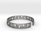 Bracelet traditional pattern in Polished Silver