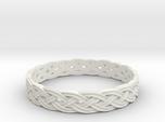 Hieno Delicate Celtic Knot Size 8