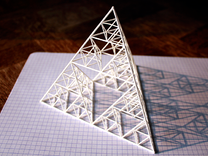 Tétraèdre de Sierpinski in White Strong & Flexible