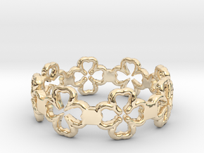 Beautiful Size 8 Lucky Clovers Ring in 14K Yellow Gold