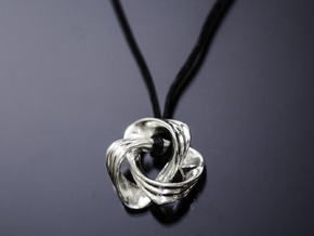 Nudo Pendant in Fine Detail Polished Silver