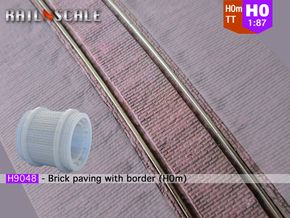 Brick paving with border (H0m) in Smooth Fine Detail Plastic