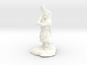 Dwarf Shaman with Bear Cloak and Warhammer in White Processed Versatile Plastic