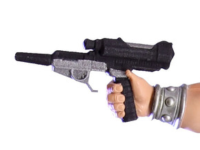 Defender of Eternia Blasterpistol in White Processed Versatile Plastic