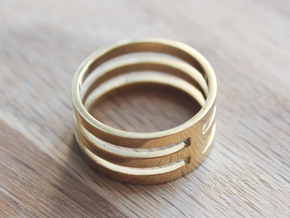 Amon - Size 11 in Polished Brass