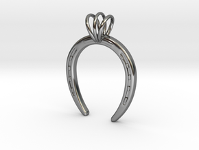 Horseshoe Necklace Pendant in Fine Detail Polished Silver