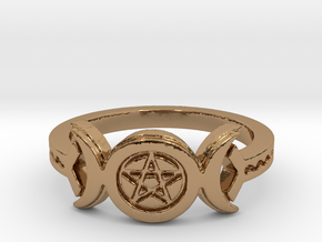 Triple Moon Pentacle Decorated Band Ring Size 8 in Polished Brass