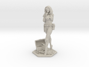 Female Thief 2inch in Natural Sandstone