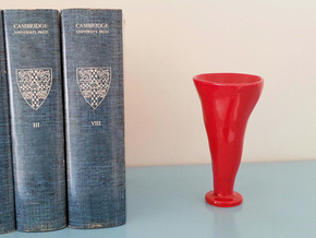 N° 12 in Gloss Red Porcelain