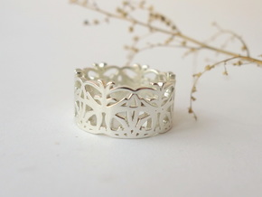 Circle Dance Lace Band - Size 7 in Polished Silver