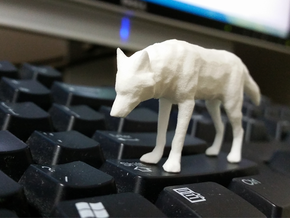 Lowpoly Wolf in White Strong & Flexible Polished