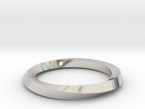 Mobius Band G in Platinum