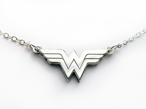 Wonder Woman Necklace in Polished Silver