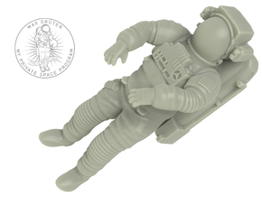 NASA Astronaut with space shuttle EMU suit (1:72) in White Natural Versatile Plastic