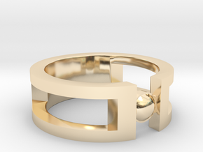 Stone ring in 14K Yellow Gold