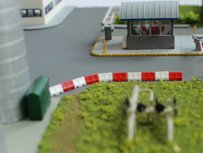 N Scale 12 Road Barriers in Smooth Fine Detail Plastic
