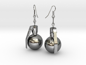 U.S. Army M67 granade earrings in Fine Detail Polished Silver