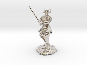 Tiefling Paladin in Platemail with Greatsword in Rhodium Plated Brass