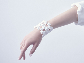 Bangle Auxetic in White Natural Versatile Plastic