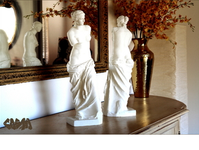 "Venus de Milo (19.4"" tall) in White Natural Versatile Plastic"