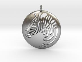 Zebra Pendant Round in Natural Silver