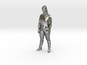 Vrouw staand in Polished Silver