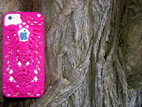 Kraai iPhone 5 Cover in Pink Processed Versatile Plastic