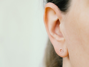 minimal stud earrings in Fine Detail Polished Silver
