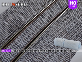 SET Row paving fine w/ border and girder rail (H0) in Smooth Fine Detail Plastic