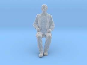 SE Young Abe Seated in Frosted Ultra Detail